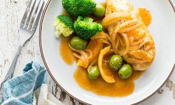 Καυτερό κοτόπουλο με ελιές και λεμόνι: Η φθινοπωρινή μας πρόταση
