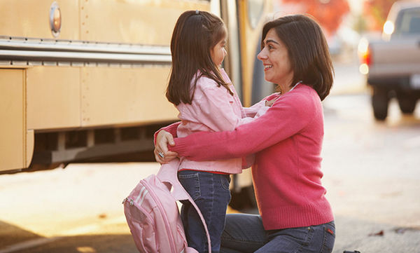 Μία μαμά στέλνει γράμμα στη δασκάλα και της εξηγεί γιατί η κόρη της αργεί στο σχολείο