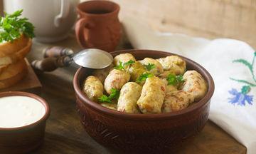 Μαμαδίστικο φαγάκι: Λαχανοντολμάδες με κρέμα αυγολέμονο
