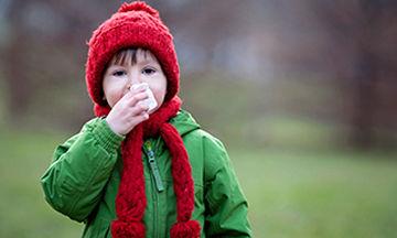Παιδικές αλλεργίες: Ποια είναι τα αρχικά συμπτώματα και πώς εξελίσσονται;