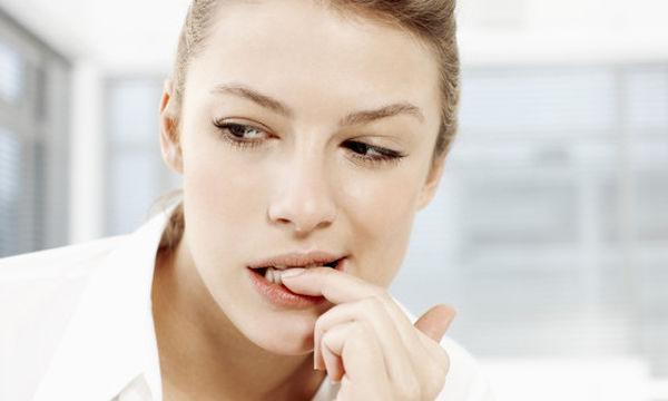 Πέντε τρόποι για να σταματήσετε να τρώτε τα νύχια σας