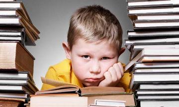 Πώς θα βοηθήσετε το παιδί σας, όταν βαριέται το διάβασμα