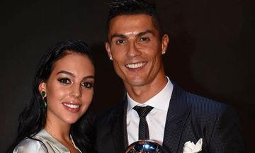 O Cristiano Ronaldo ξανά μπαμπάς! Η πρώτη φωτογραφία από το μαιευτήριο με τη νεογέννητη κόρη του