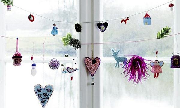 Κι όμως υπάρχουν 70 υπέροχες ιδέες για να διακοσμήσετε τα παράθυρα φέτος τα Χριστούγεννα