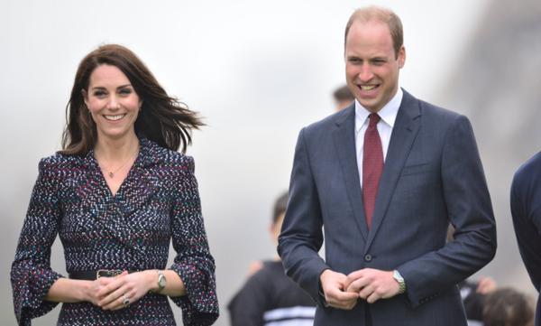 Ο πρίγκιπας William μπαίνει στην κουζίνα, αλλά η έγκυος Kate Middleton δεν τρώει τη σπεσιαλιτέ του