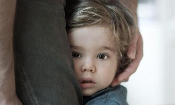 Ντροπαλό παιδί: Πρέπει να ανησυχούν οι γονείς;