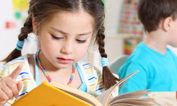Μόλις 1 στους 10 μαθητές δημοτικού έχει πολύ καλές επιδόσεις στην ανάγνωση - Τι δείχνει έρευνα