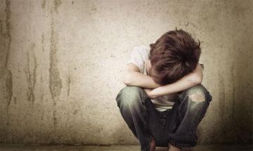 """Σεξουαλική κακοποίηση παιδιών: Αυξάνονται οι καταγγελίες αλλά η """"σιωπή"""" παραμένει"""