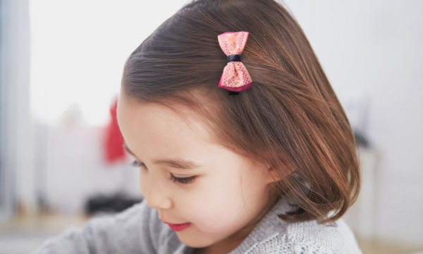 Πρωτότυπα παιδικά τσιμπιδάκια για κορίτσια: Μάθετε πού θα τα βρείτε και πόσο κοστίζουν