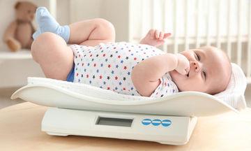 Πρέπει να ζυγίζουμε το νεογέννητο καθημερινά;