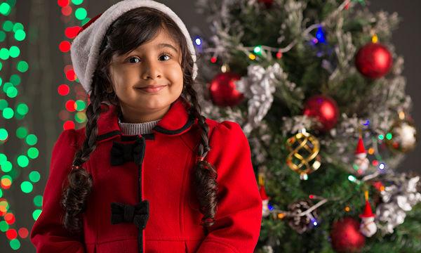 Κόκκινο κλασικό διαχρονικό παλτό που δεν πρέπει να λείπει από την ντουλάπα της κόρης σας