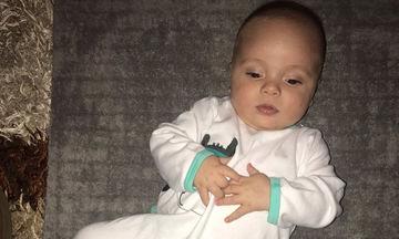 Είναι ο μόλις έξι μηνών μπόμπιρας γνωστής Ελληνίδας καλλονής και είναι ένας κούκλος (pics)