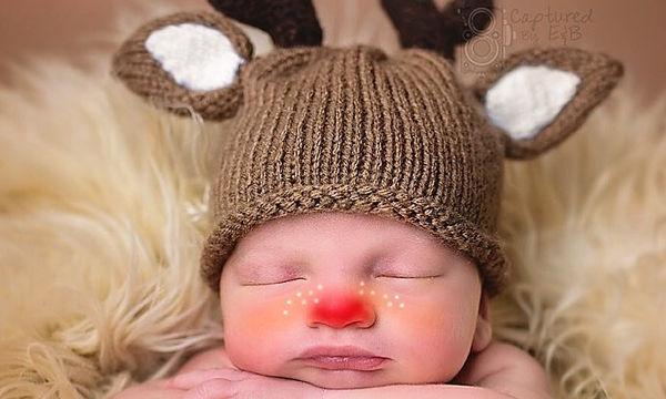 Είκοσι φωτογραφίες μωρών που γιορτάζουν τα πρώτα τους Χριστούγεννα