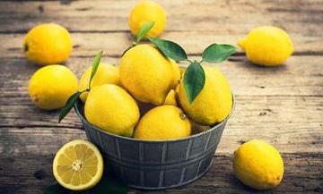 Χρήσεις λεμονιού: Τι μπορείτε να κάνετε με τις φλούδες και το χυμό λεμονιού