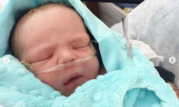 «Γέννησα νωρίτερα με καισαρική», η συγκινητική εξομολόγηση και η φωτογραφία του γιου της