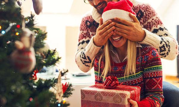 Ζευγάρι: Ιδέες για να μπείτε και οι δυο στο χριστουγεννιάτικο κλίμα