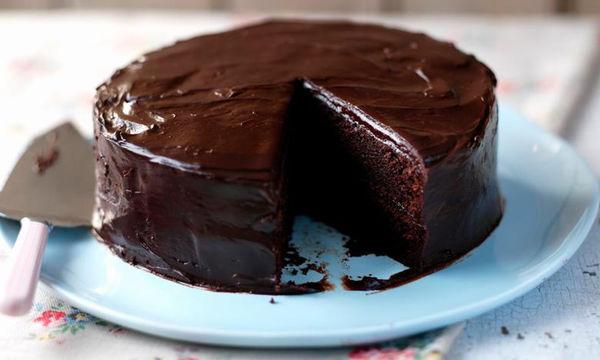 Εύκολη συνταγή για υγρό κέικ σοκολάτας