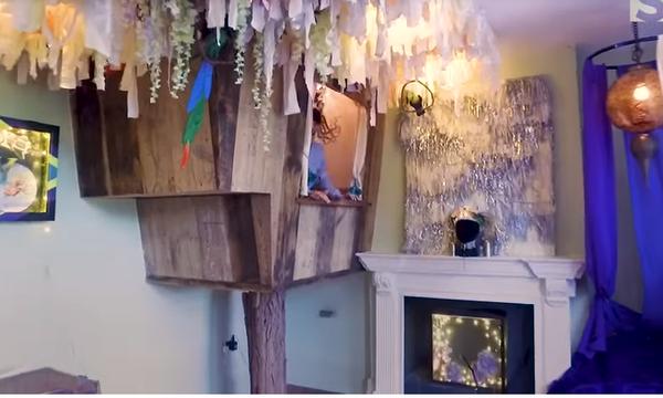 Εντυπωσιακό:  Έφτιαξε ένα ανακυκλωμένο δεντρόσπιτο στο σαλόνι του σπιτιού (vid)