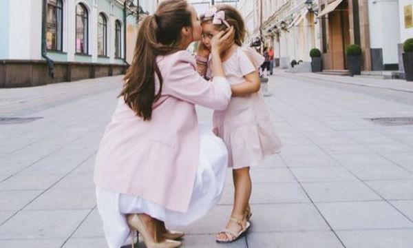 Παιδί και Κοινωνικές Κατασκευές: Τι θα γίνει εάν η κόρη σας σιχαίνεται τις φούστες και τις κούκλες;