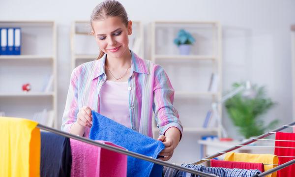 Έτσι θα στεγνώσετε γρήγορα τα ρούχα σας το χειμώνα