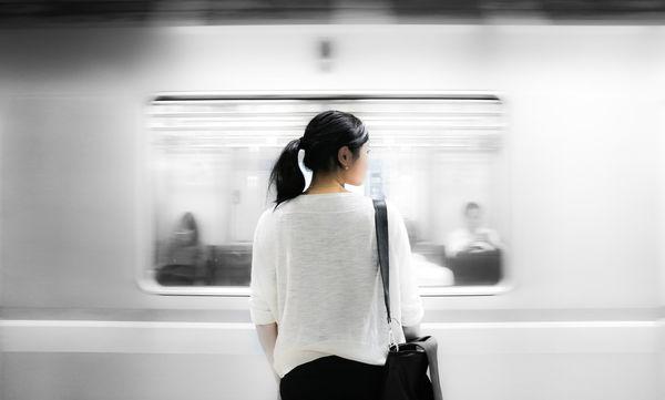 Γράμμα στον άνδρα που δεν παραχώρησε τη θέση του στο τρένο, σε μία έγκυο γυναίκα