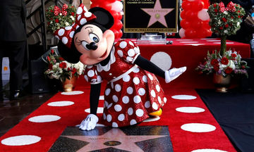 Minnie Mouse: Απέκτησε το δικό της αστέρι στη Λεωφόρο της Δόξας (pics)