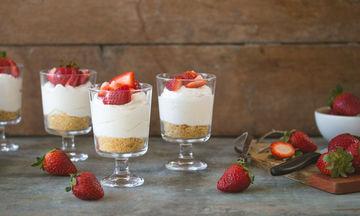 Cheesecake στο ποτήρι χωρίς ψήσιμο