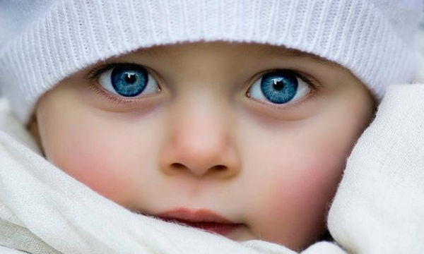 Πώς να βοηθήσετε το μωρό σας να αναπτύξει την όρασή του