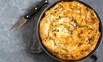 Πίτα για τεμπέλες: Πατσαβουρόπιτα με τυριά