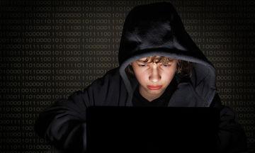 Μπλε φάλαινα, choking και άλλα επικίνδυνα διαδικτυακά παιχνίδια: Συμβουλές για γονείς και εφήβους
