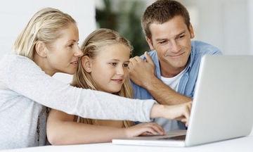 Ημέρα Ασφαλούς Διαδικτύου:Το Mothersblog, ρωτά γονείς τι πραγματικά γνωρίζουν για το διαδίκτυο (vid)