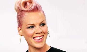 Pink: Η πιο αμφιλεγόμενη μαμά των social media σε υπέροχες οικογενειακές φωτογραφίες (pics)