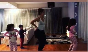 Η σύντροφος και οι κόρες γνωστού Έλληνα τραγουδιστή χορεύουν και τρελαίνουν το Instagram (vid)