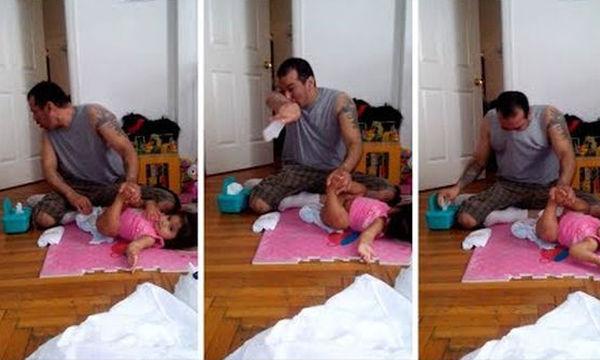 Μπαμπάς με δυσκολία αλλάζει την πάνα της κόρης του! Το νέο βίντεο που κάνει το γύρο του διαδικτύου