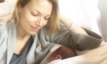 Βίκυ Καγιά: Φόρεσε Μάρτη με την κόρη της (pic)