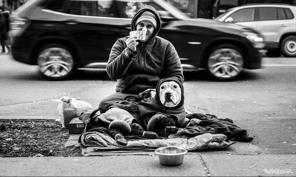 Πέρασε 4 χρόνια φωτογραφίζοντας άστεγους και το αποτέλεσμα είναι συγκινητικό (pics)