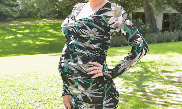 Μα πόσο υπέροχη! Η εγκυμοσύνη της πάει πολύ και την κάνει να λάμπει (pics)