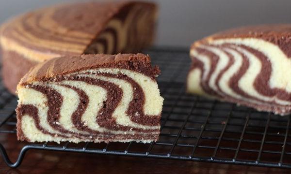 Συνταγή για φανταστικό κέικ ζέβρα βανίλια - σοκολάτα
