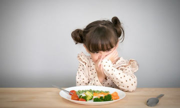 Τι δεν πρέπει να κάνετε όταν το παιδί σας αρνείται να φάει