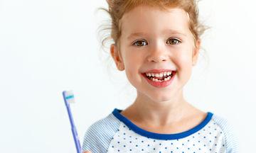 Γιατί τα δόντια του μωρού μεγαλώνουν στραβά;