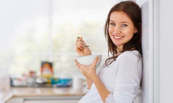 Εγκυμοσύνη και διατροφή: Μικρές ωφέλιμες αλλαγές στις διατροφικές σας συνήθειες