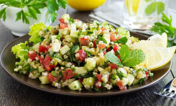 Συνταγή για σαλάτα ταμπουλέ με μυρωδικά
