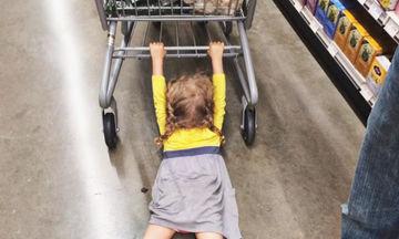 Φωτογραφίες που αποδεικνύουν ότι το να ψωνίζεις με παιδιά είναι μια απίθανη αποστολή (pics)