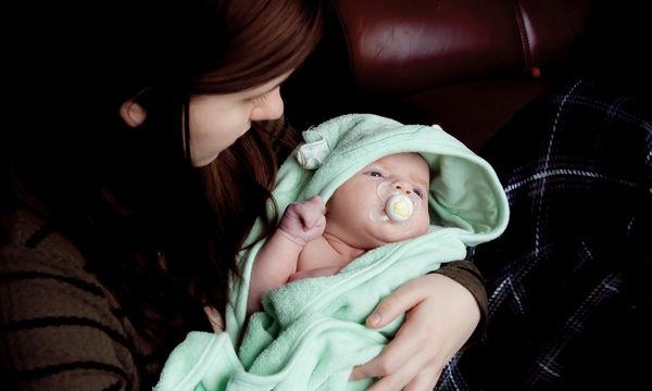 «Πήρα το μωρό μου στην αγκαλιά μου πρώτη φορά και παραδόξως δεν μου άρεσε»