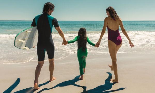 Πέντε τρόποι για να είσαι σίγουρη πως το παιδί σου «σερφάρει» με ασφάλεια