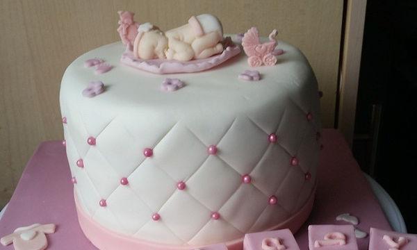 Θα κάνετε baby shower; Ιδού απίθανες ιδέες για την τούρτα