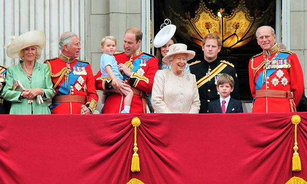 Απίστευτο! Αυτές είναι οι 10 λέξεις που δεν χρησιμοποιούν ποτέ τα μέλη της βασιλικής οικογένειας
