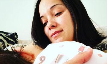 Κατερίνα Τσάβαλου: Δείτε την να γυμνάζεται αγκαλιά με την κόρη της
