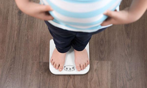 Παιδική παχυσαρκία: Οι παράγοντες που αυξάνουν σημαντικά τον κίνδυνο