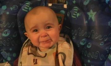 Βίντεο: Αυτό είναι ίσως το πιο συναισθηματικό μωρό που έχετε δει